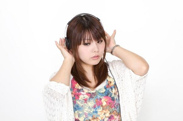 pak56_headphonegirl_tp_v