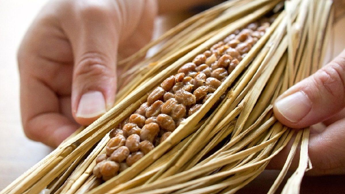 占星術×料理の素敵なマリアージュ『蠍座の艶フェロモンを手に入れよう!日本の伝統発酵食品・納豆のガーリック炒め丼』