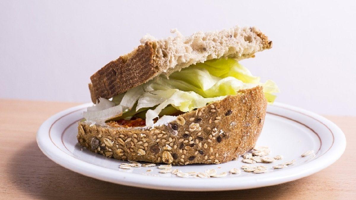 家庭菜園ベジタリアンの「ベジで食べ歩こう」☆第11回。 ヘルシーさが見た目ですぐわかるオーガニック野菜サンドウィッチ「POTASTA」
