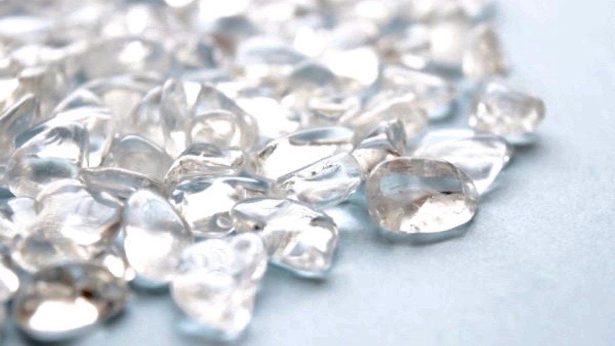 人工、それとも天然? 水晶の正しい見分け方