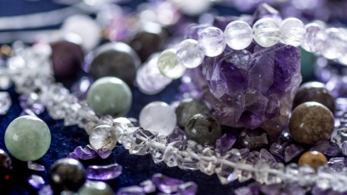 キレイな色には様々な力がある? 石の色とエネルギーについて
