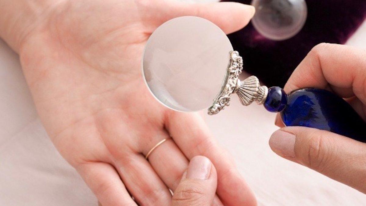 【手相】親指の仏眼は霊感があって運が開けるの?