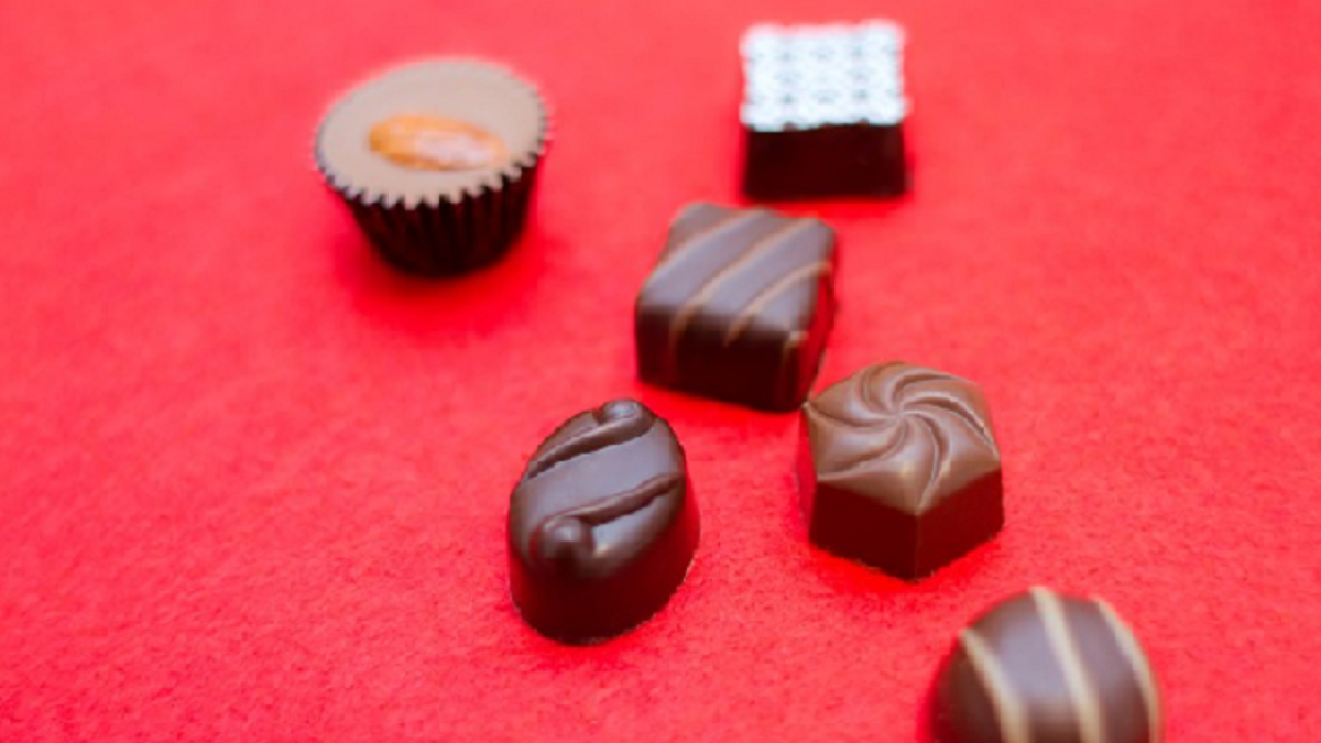 バレンタインデー、ブレない美人的チョコレートの贈り方とは!?