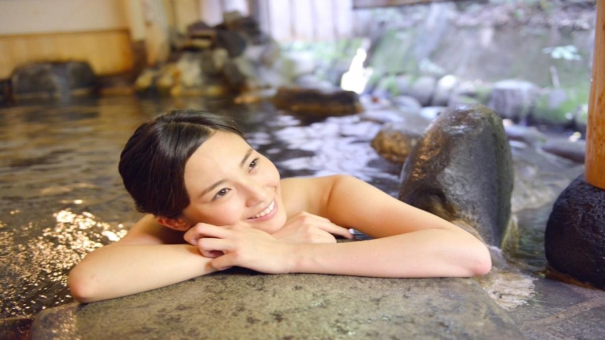なぜ「春の温泉」は女性を美しくするエネルギーに溢れてる?