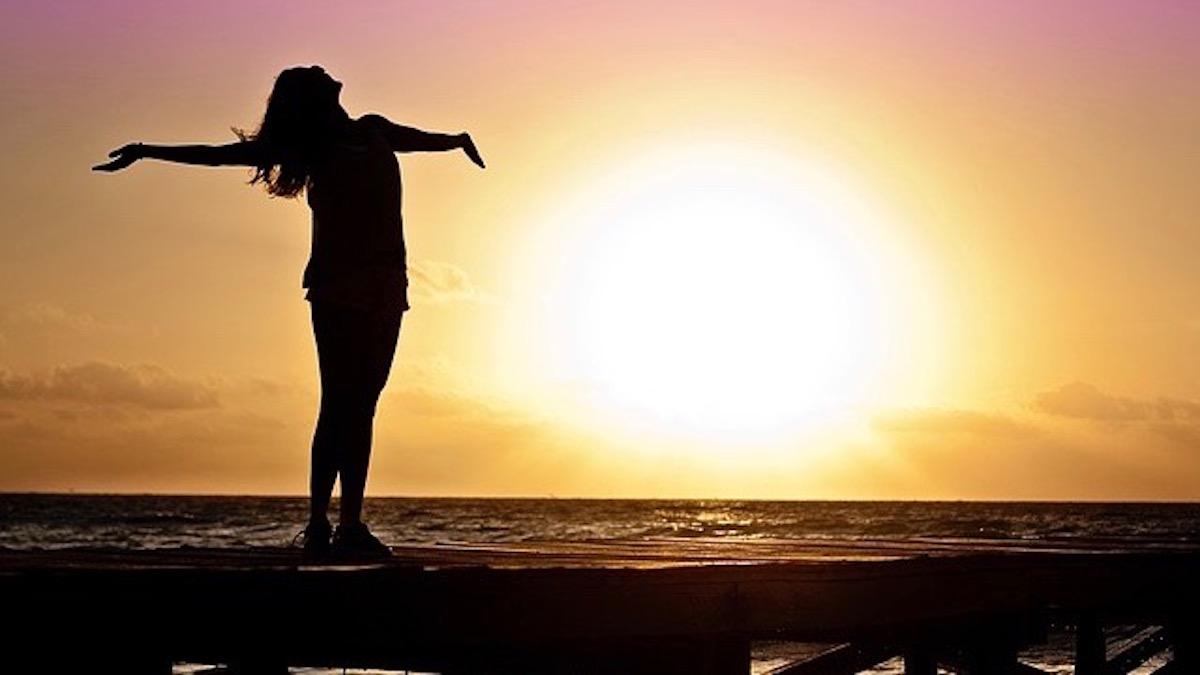 【十二支別花札占い】6月10日~6月16日 金運・健康運と朝起きて一番にやりたい健康に良い事