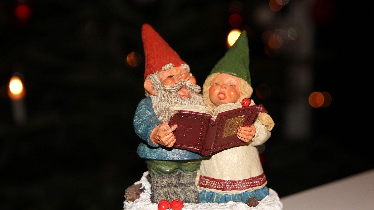 心のざわつきを癒すだけじゃない! クリスマスソングを、聴いたほうがいいワケとは?