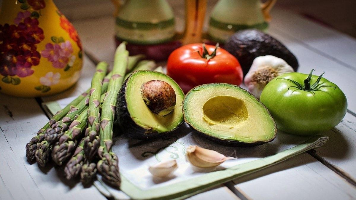 私たちの身体をはぐくむ食べ物からのメッセージ、ヒーリングフードオラクルカード